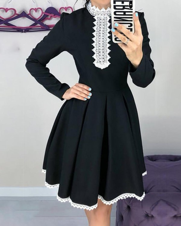 Lace Trim Binding Tunic Pleated Dress