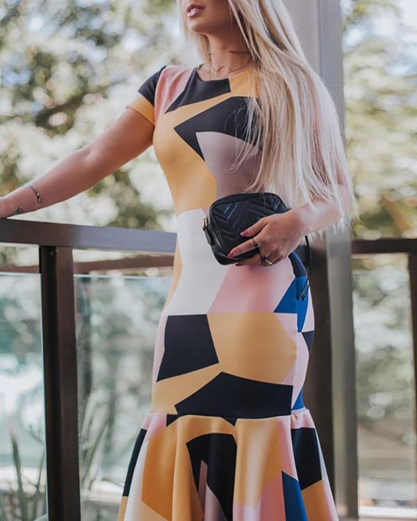 Geo Print Short Sleeve Ruffles Hem Dress