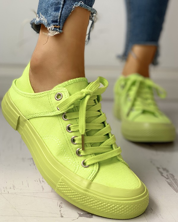 Solid Eyelet Lace-Up Casual Sneakers