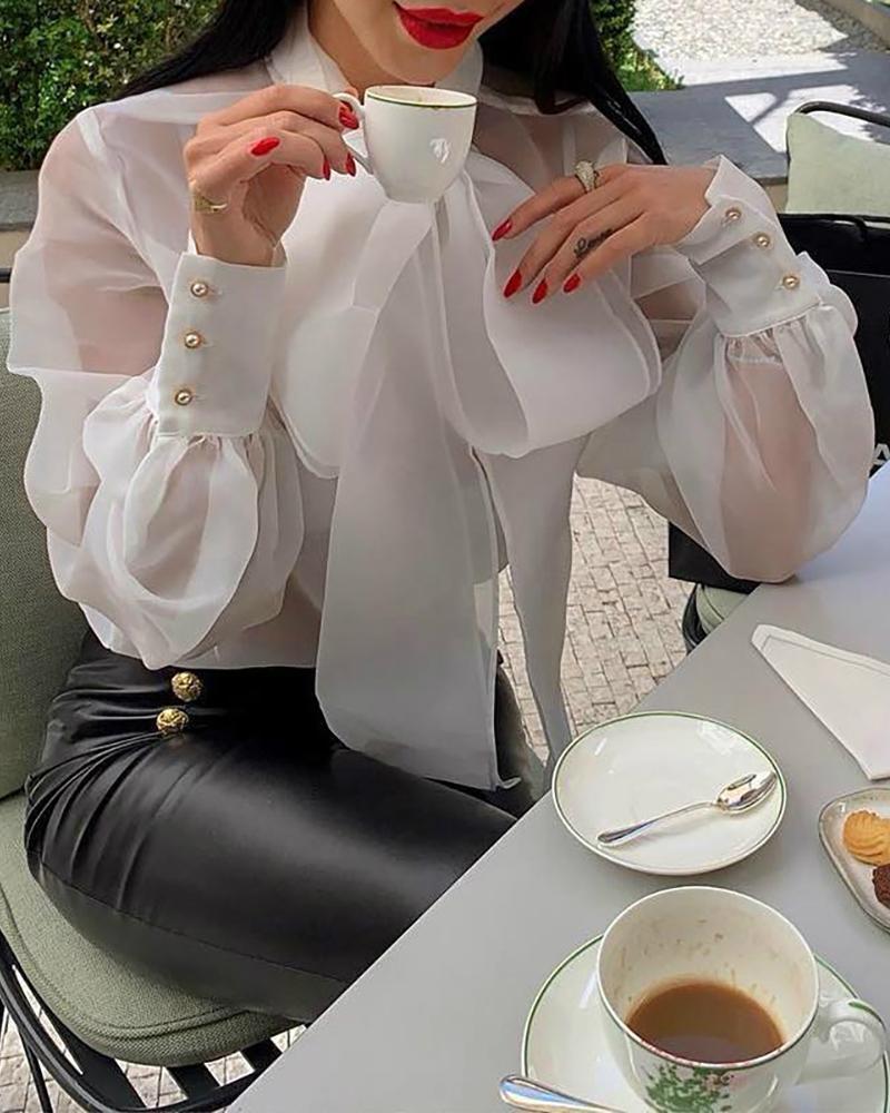 boutiquefeel / Blusa de malla con puños y botones de lazo en el cuello
