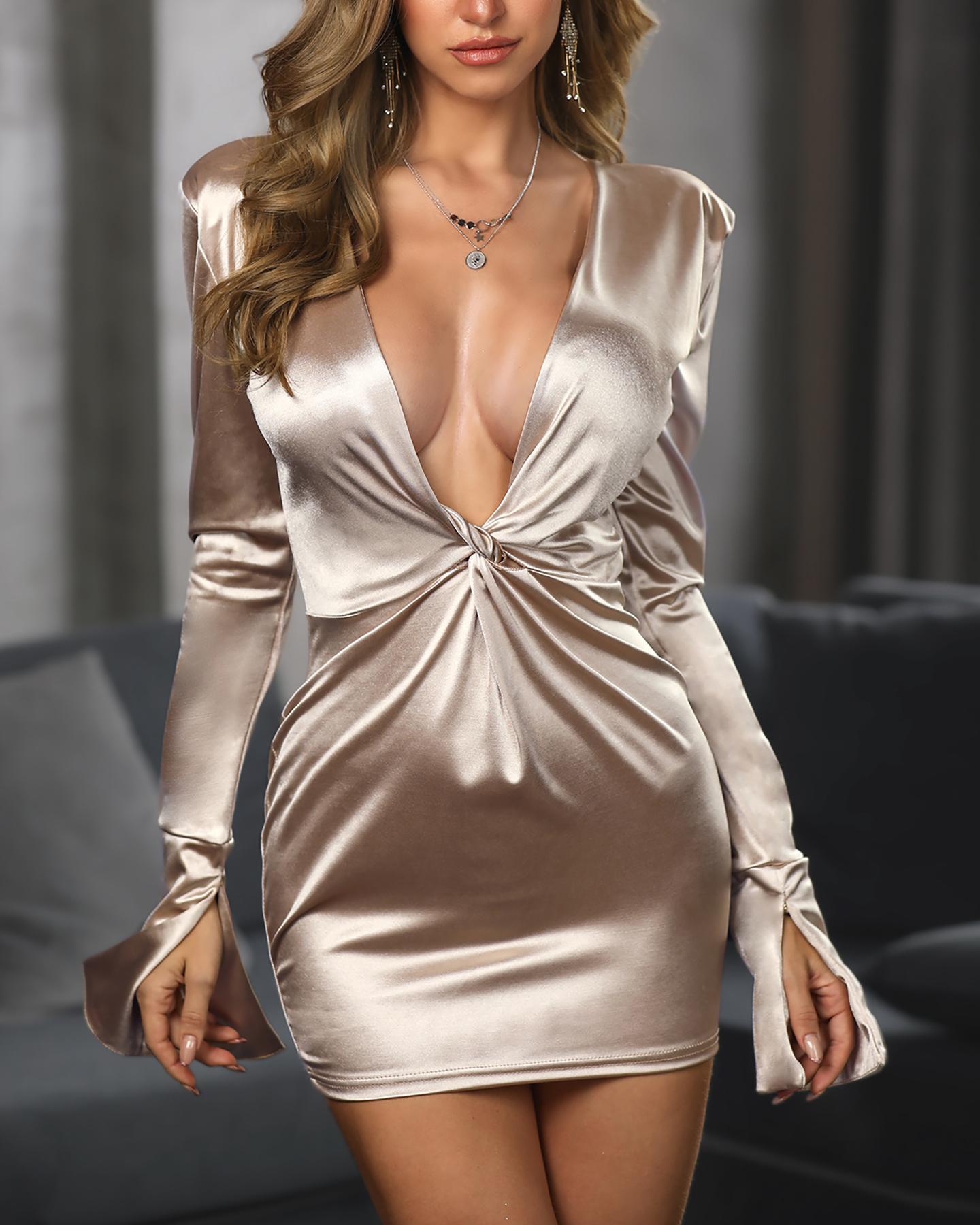 ivrose / Plunge Twisted Design Slit Cuff Dress