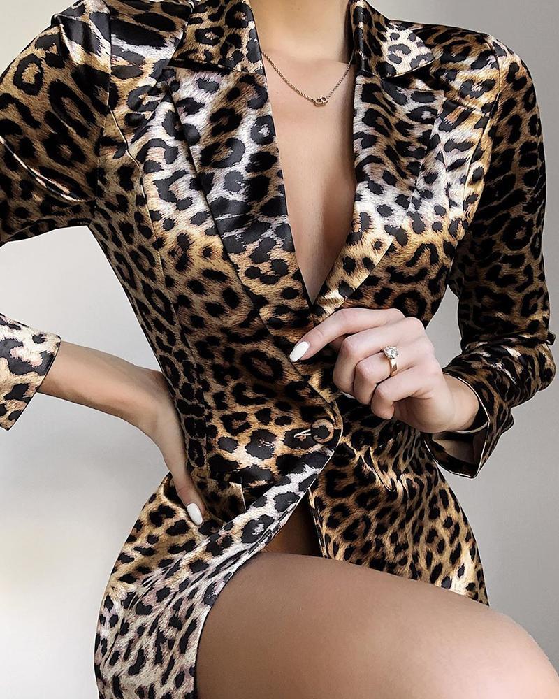 chicme / Blazer con estampado de leopardo y un botón