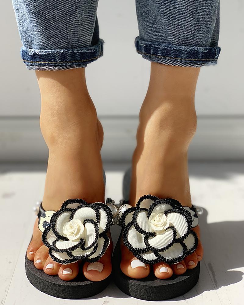 chicme / Flower Embellished Toe Post Flat Sandals