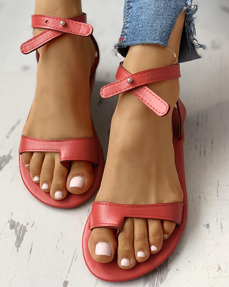 chicme / Toe Ring Stud Buckled Sandálias Flat