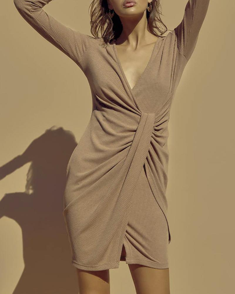 Solid V-Neck Long Sleeve Ruched Slit Bodycon Dress фото