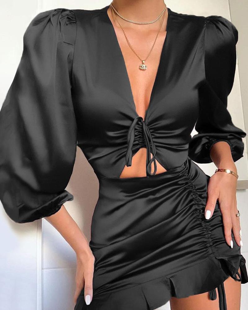 chicme / V Neck Tie Detail Dress