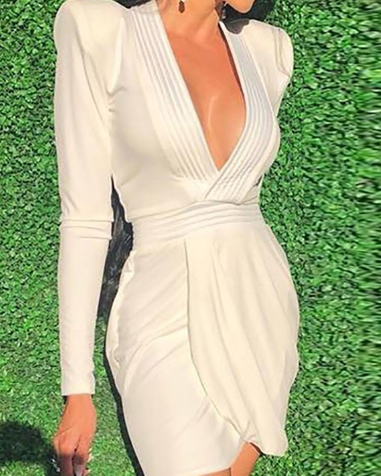 ivrose / Ombro Acolchoado Mergulhar Ruched Overlap Dress