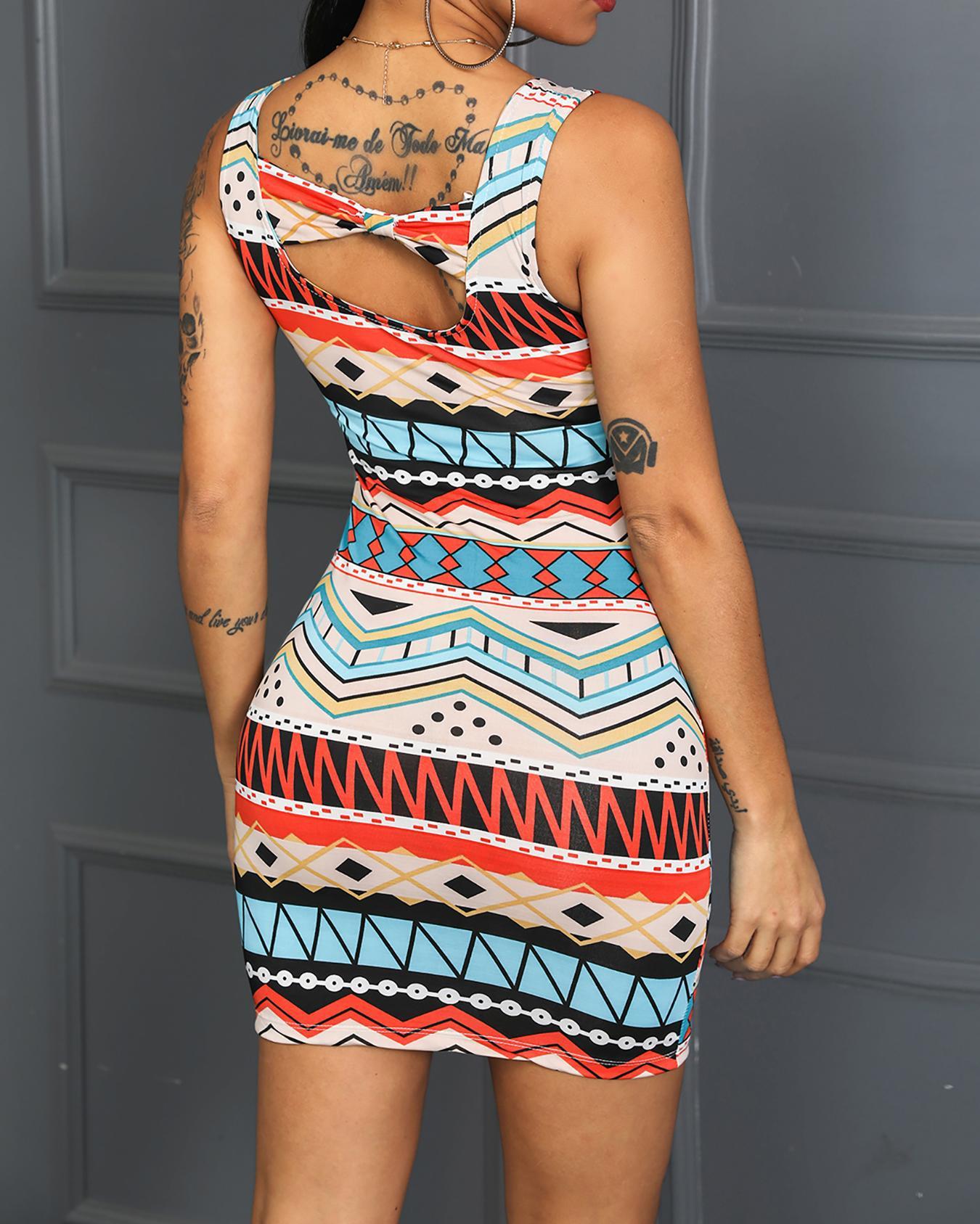 ivrose / Vestido ajustado con estampado de bowknot y detalles coloridos