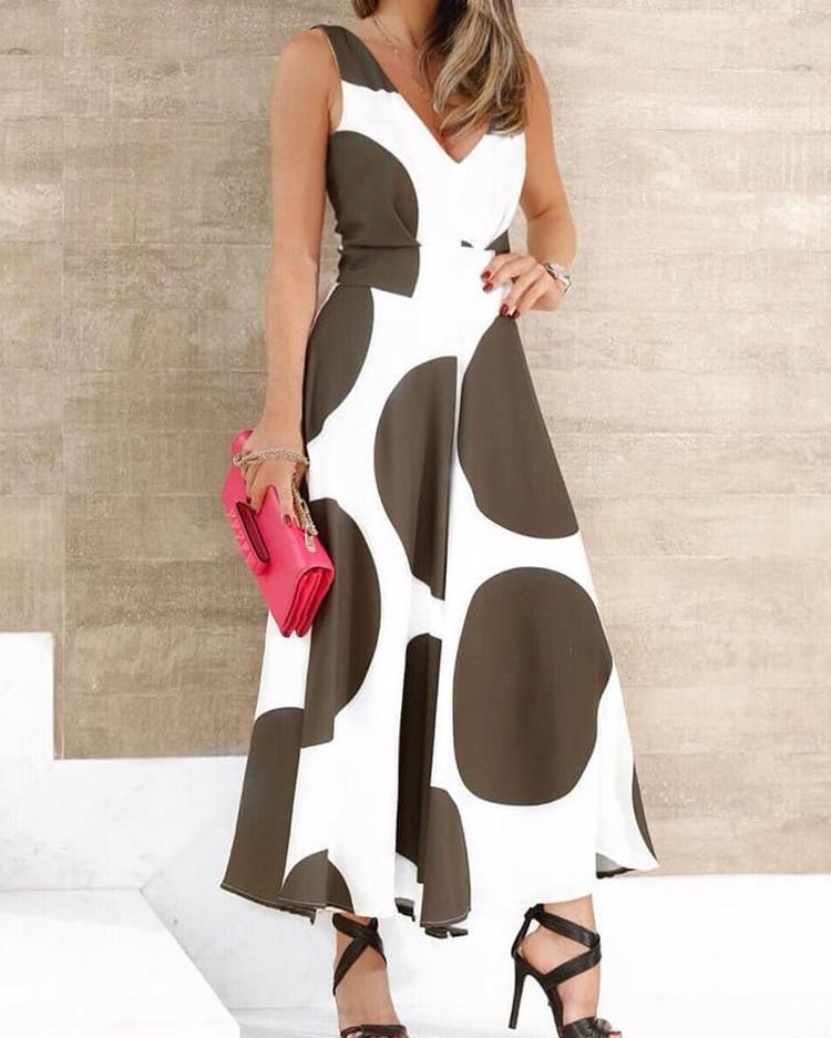 V Neck Big Dots Pleated Maxi Dress