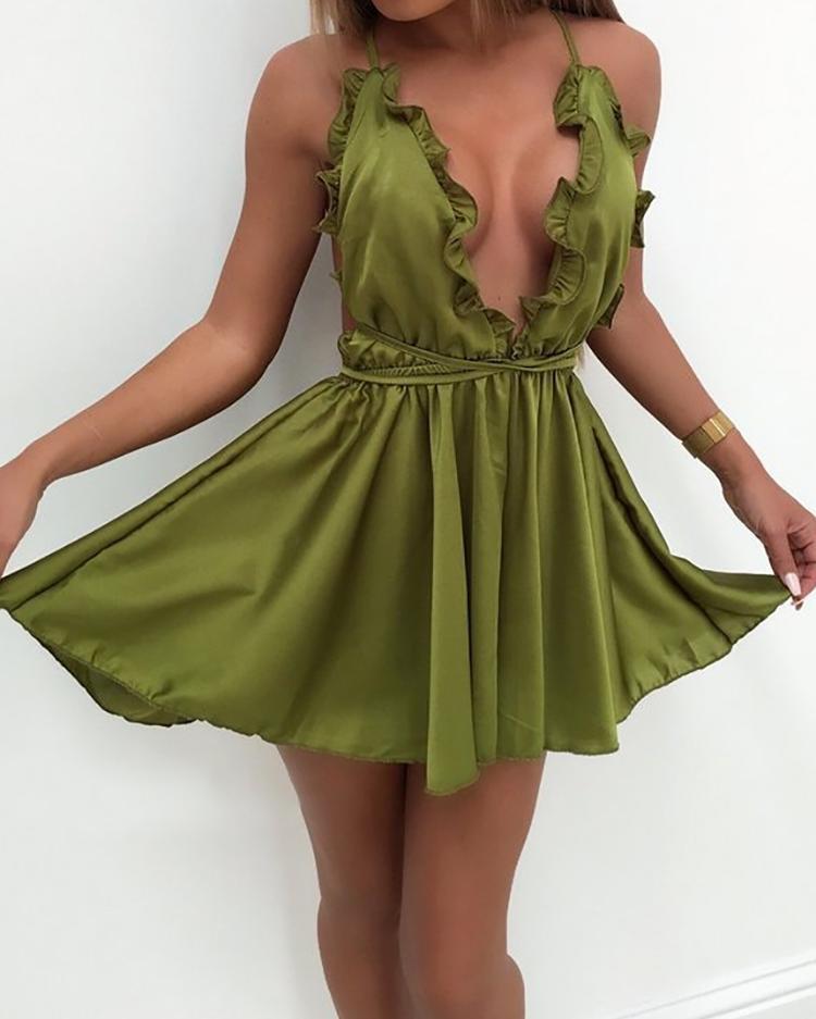 Low Cut Crisscross Open Back Pleated Mini Dress фото