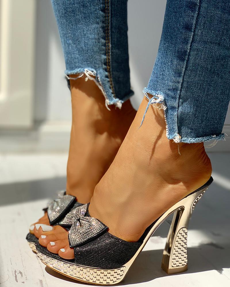boutiquefeel / Plataforma de Bowknot com tachas e sandálias de salto alto