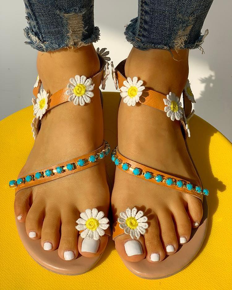Flower Embellished Stud Detail Flat Sandals фото