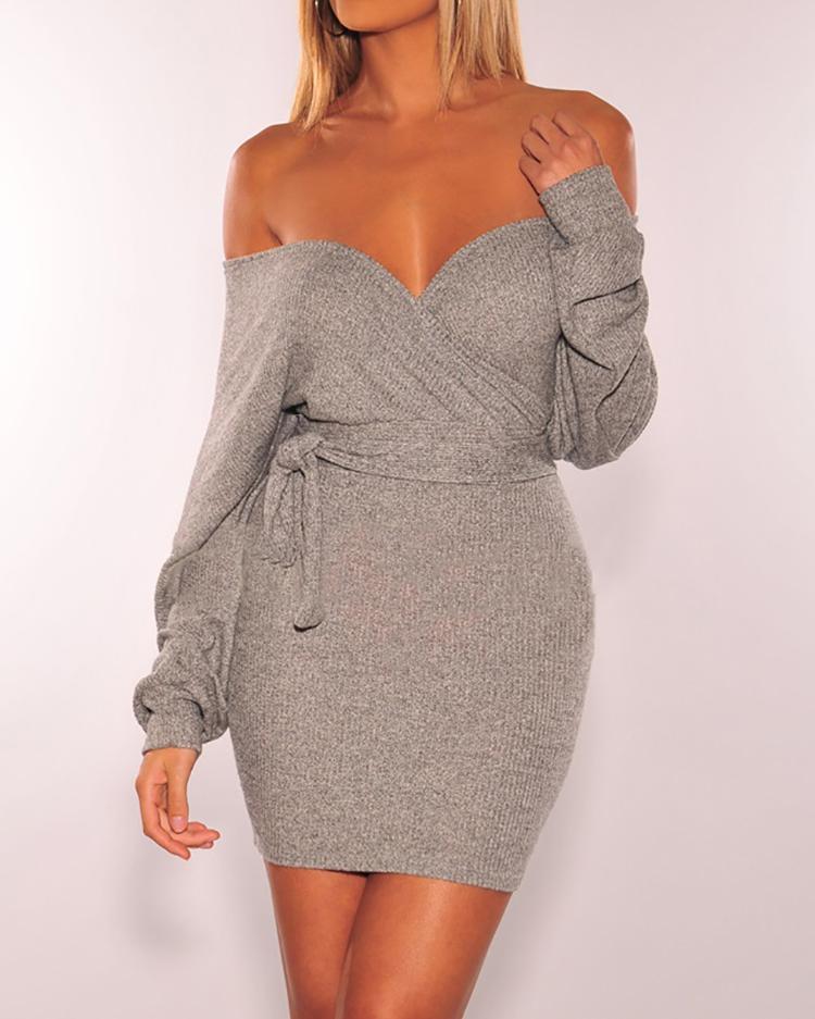 boutiquefeel / Vestido ajustado con cinturón y espalda abierta con hombros descubiertos