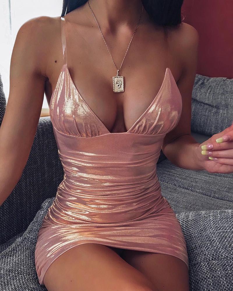 ivrose / Vestido ajustado con pliegues y correa de espagueti con revestimiento sólido