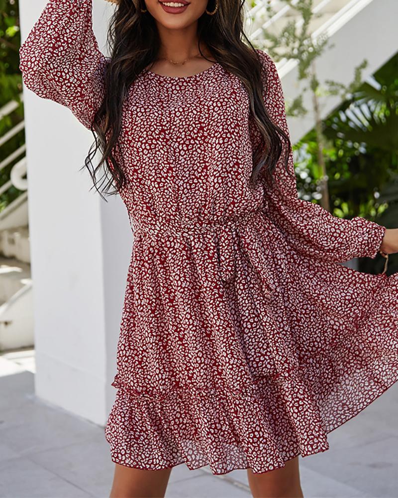 ivrose / Ditsy Floral Print Frill Hem Casual Dress