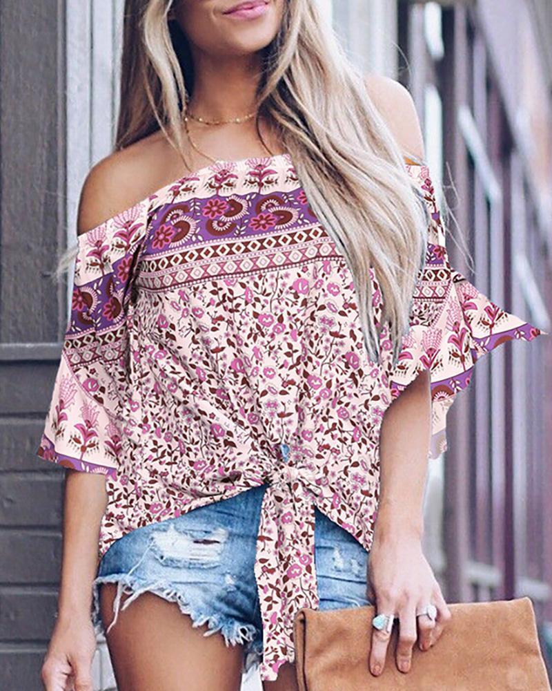 boutiquefeel / Blusa casual con volantes y dobladillo con estampado floral fuera del hombro