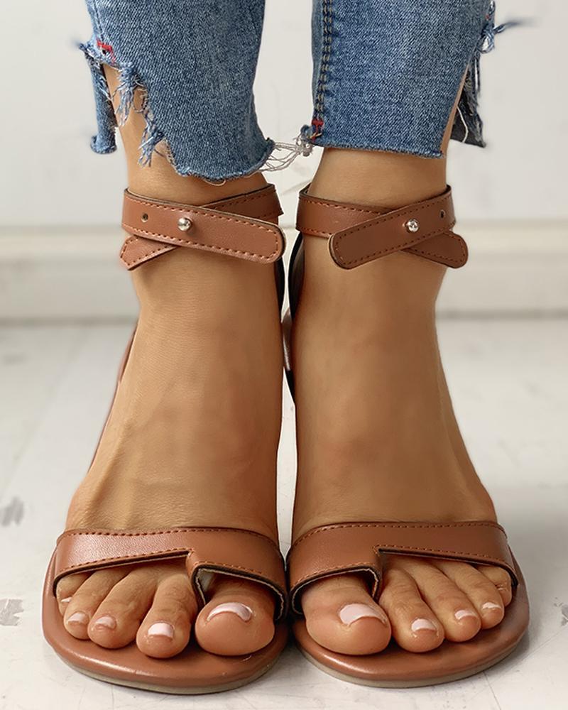 Toe Ring Stud Buckled Flat Sandals фото