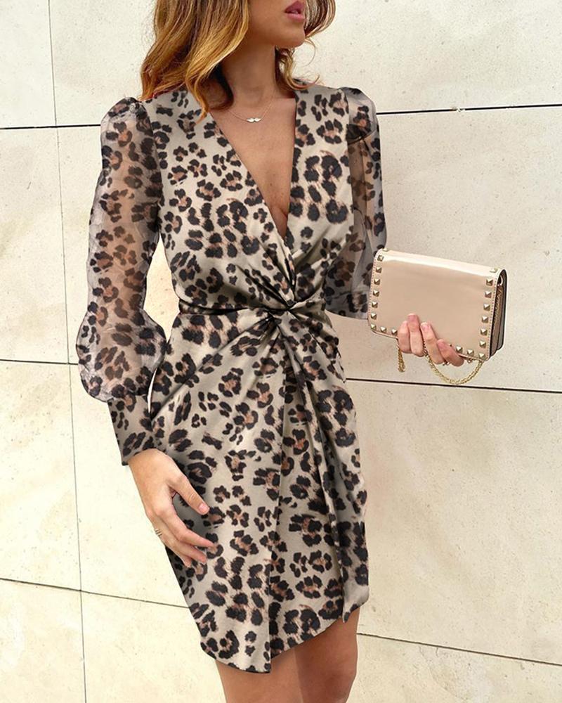 ivrose / Vestido torcido com estampa de leopardo e bainha