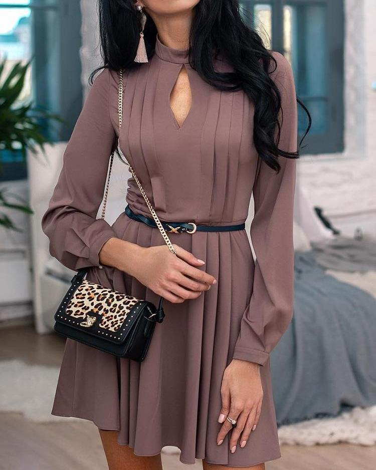 Solid Keyhole Front Ruched Long Sleeve Dress
