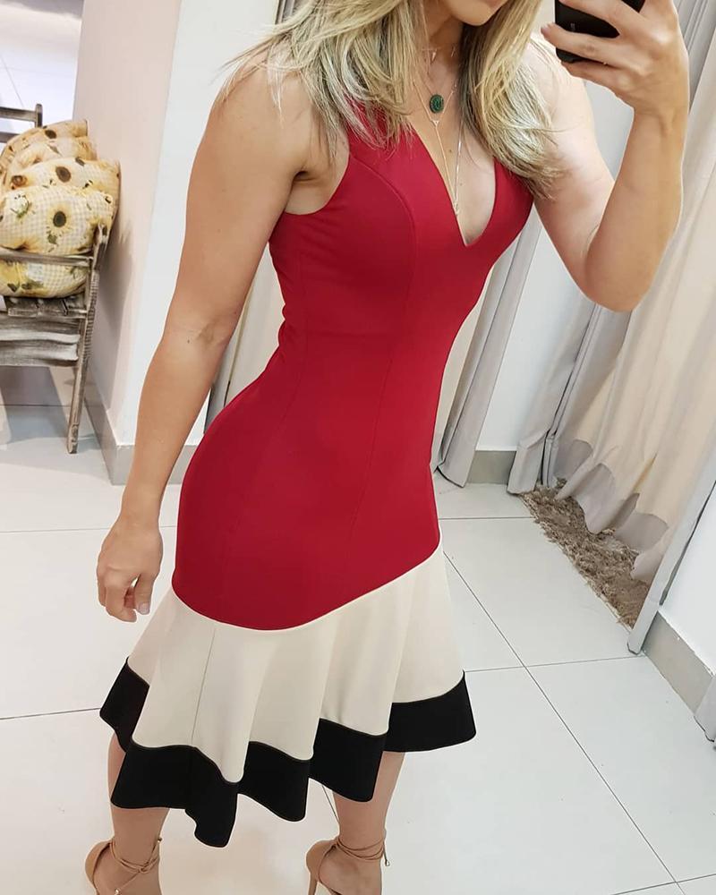 joyshoetique / Colorblock Plunge Ruched Midi Dress