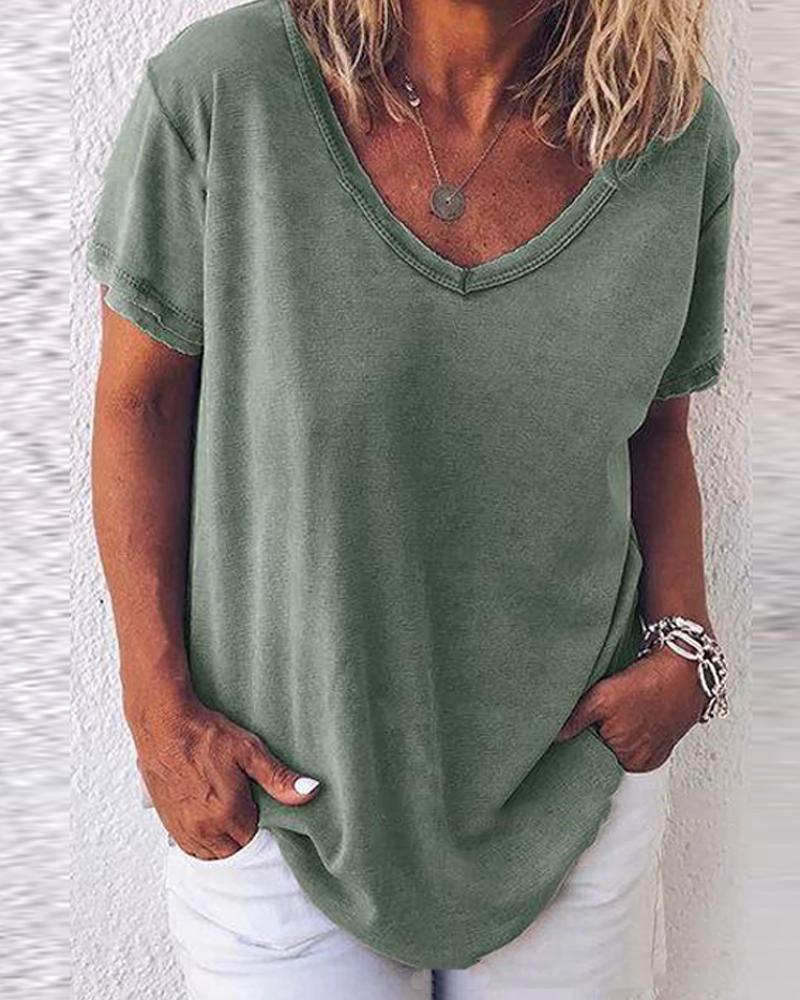 V Neck Loose Fit T-Shirt фото