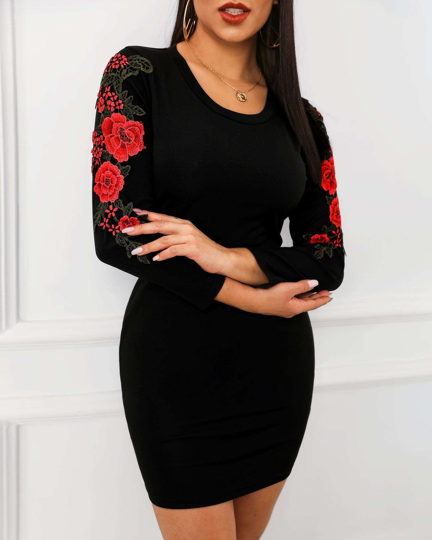 Floral Embroidery Long Sleeve Dress фото