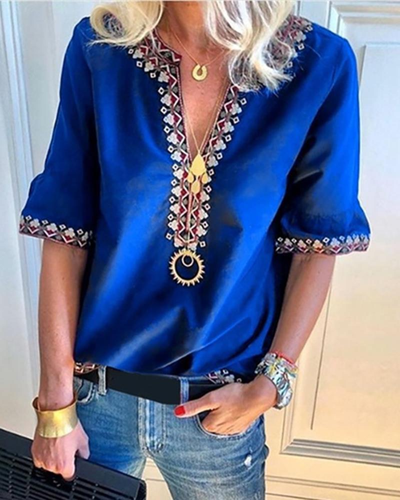 chicme / Blusa de media manga con cuello de pico y estampado bohemio