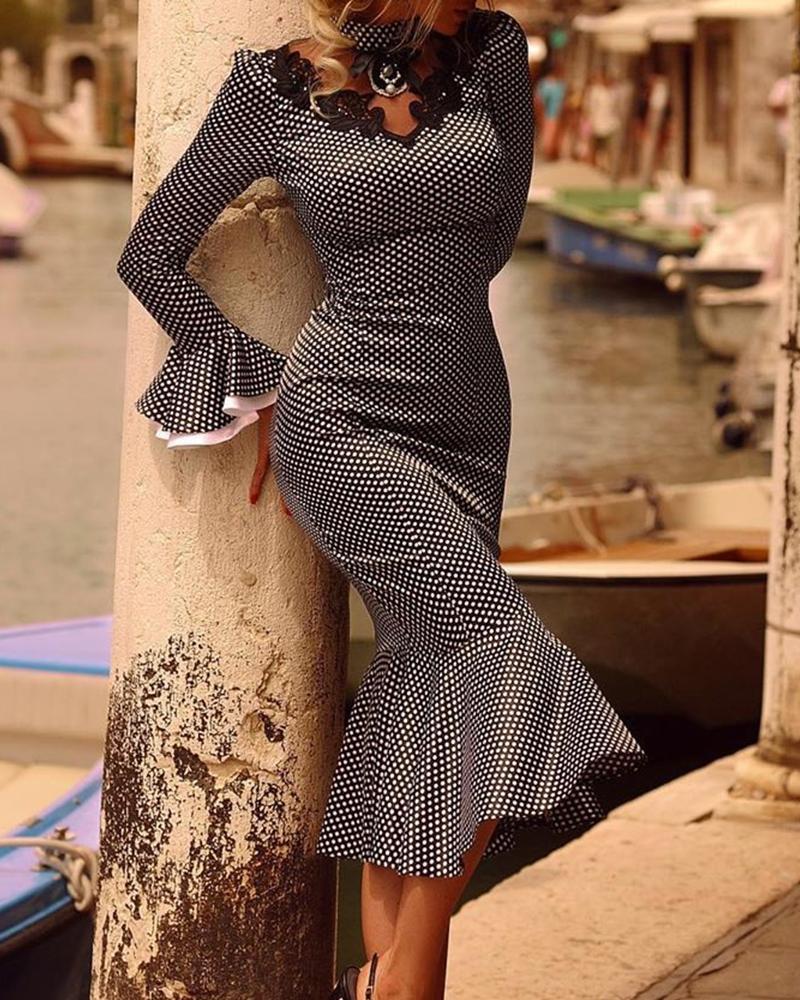 chicme / Bell Sleeve Fishtail Midi Dress