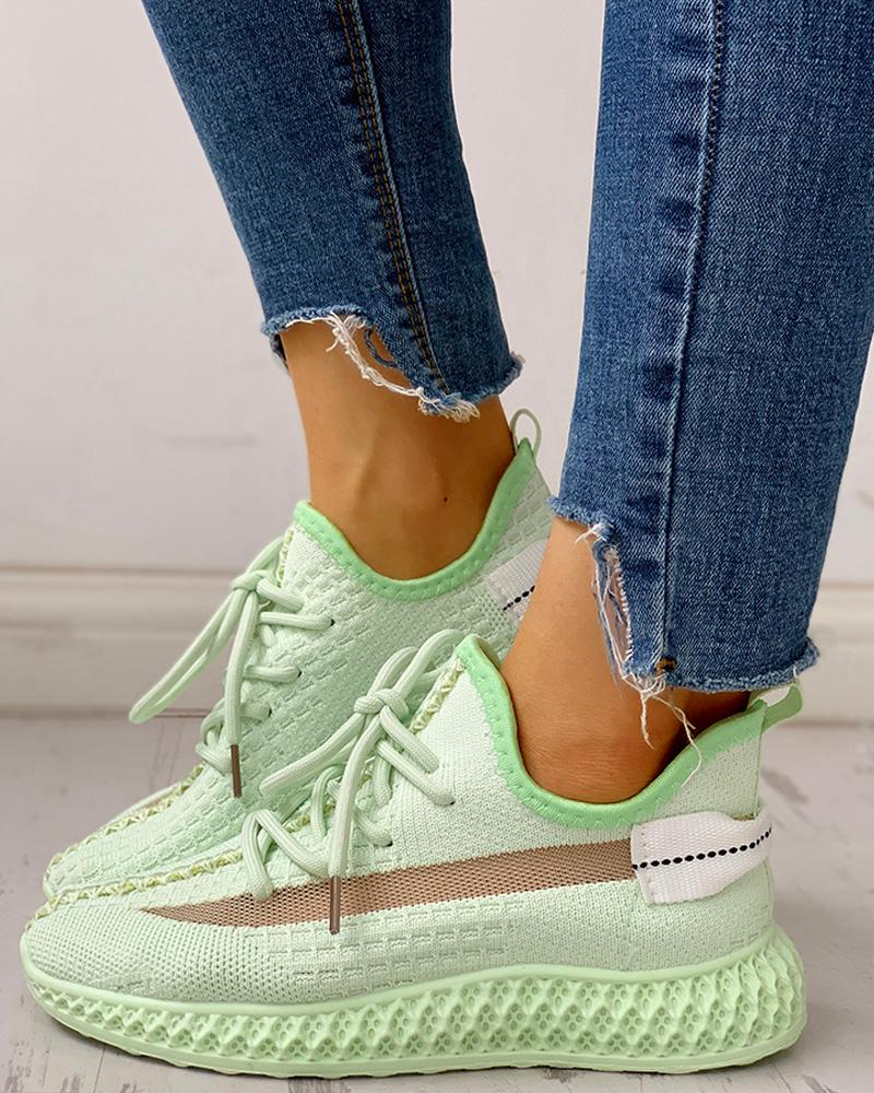 Net Surface Breathable Lace-Up Sneakers фото