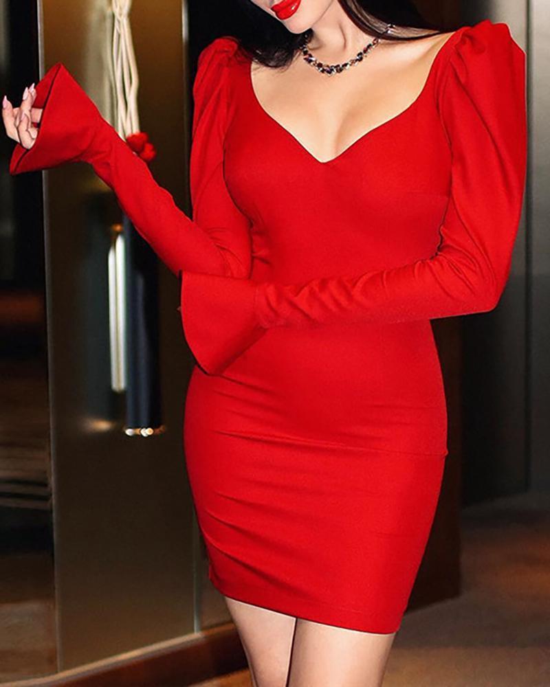 V Neck Bell Cuff Slinky Dress, Red
