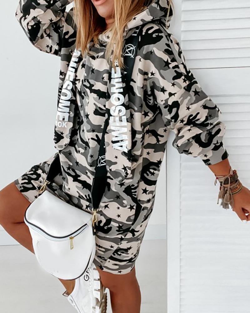 ivrose / Vestido casual con capucha y estampado de letras de camuflaje