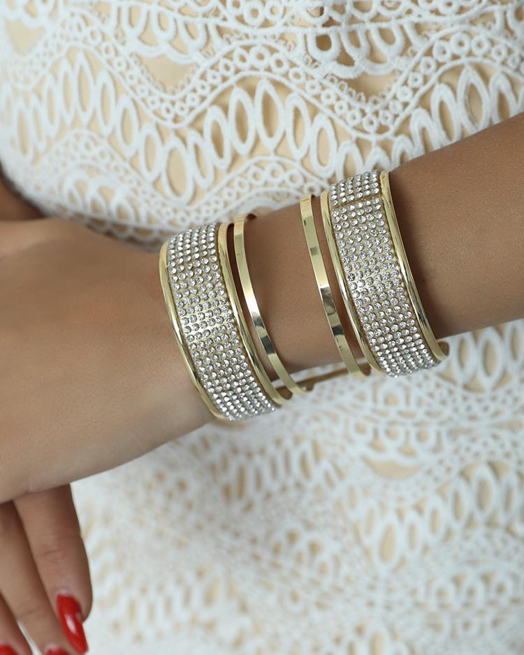 Distinctive Glittering Embellished Open Bangle Bracelet