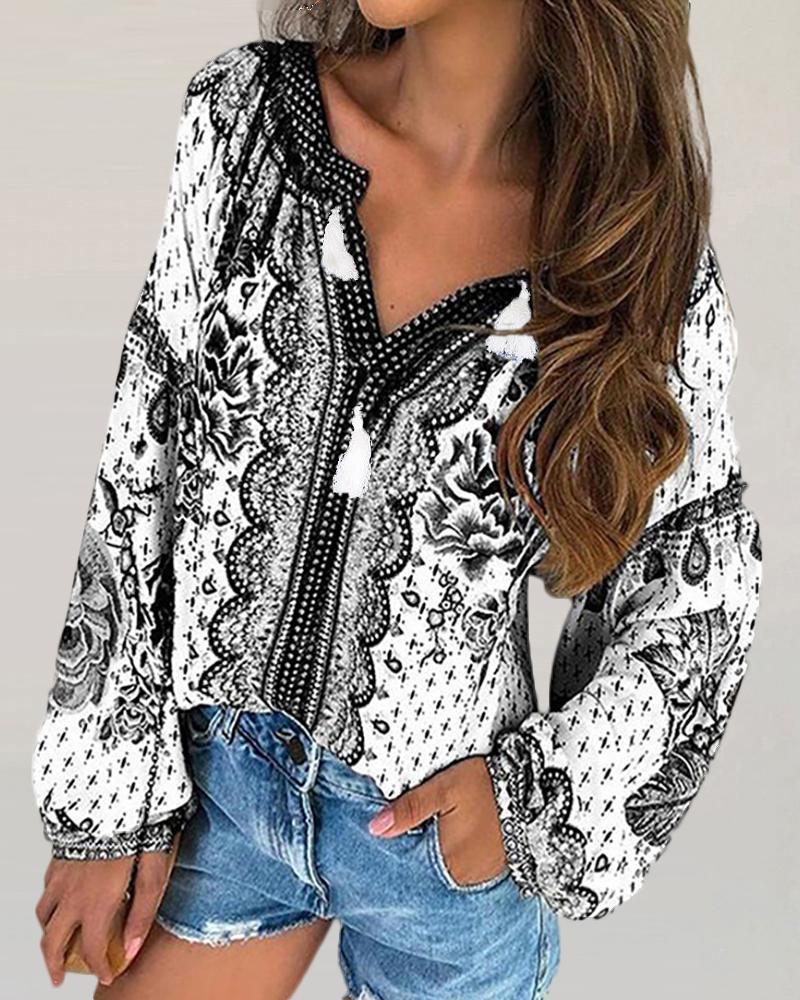 boutiquefeel / Blusa de manga larga con cuello en V y estampado étnico