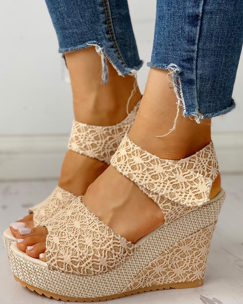 boutiquefeel / Sandálias de cunha de plataforma com peep toe em renda