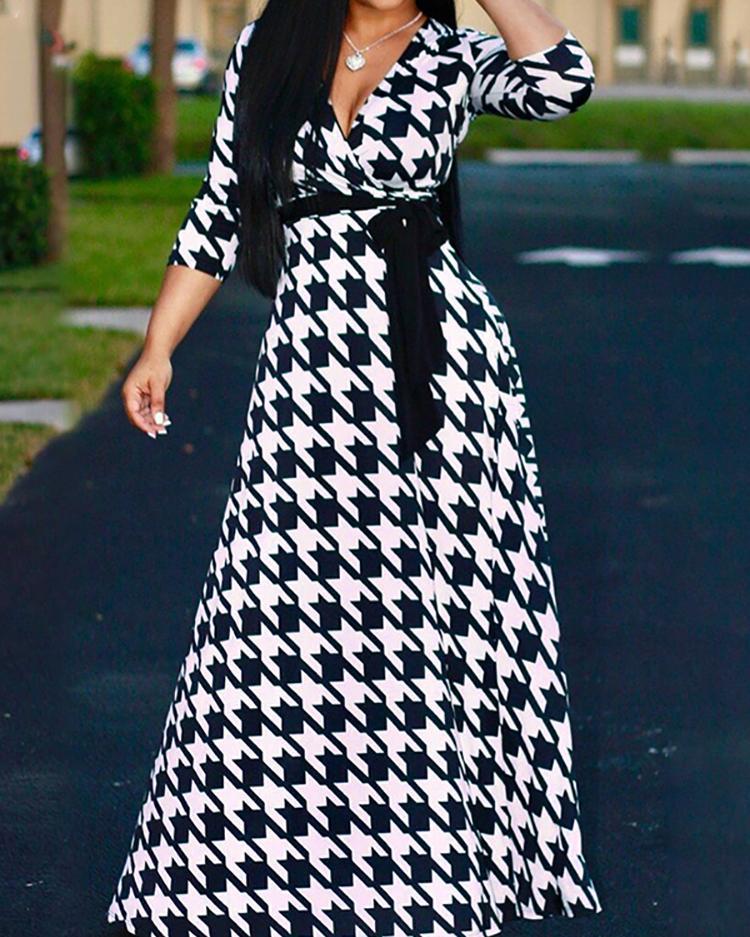 Плюс Houndtooth Размер Напечатано Подпоясанный Макси Платье