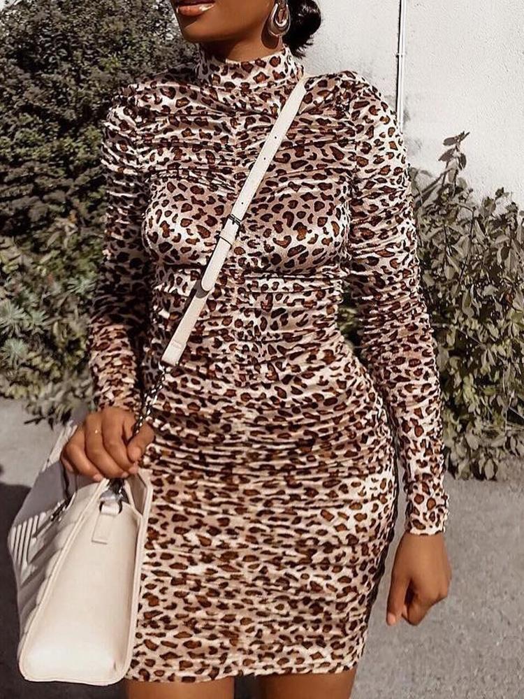 chicme / Leopard Print Scrunched Mini Dress