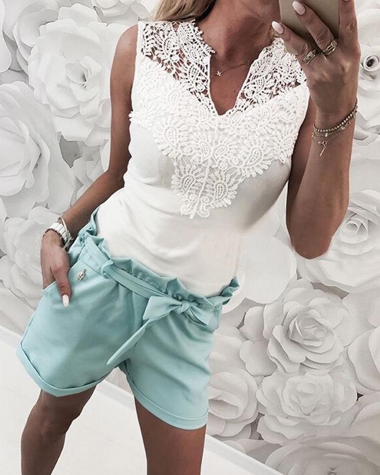 V-Neck Sleeveless Lace Yoke Top фото