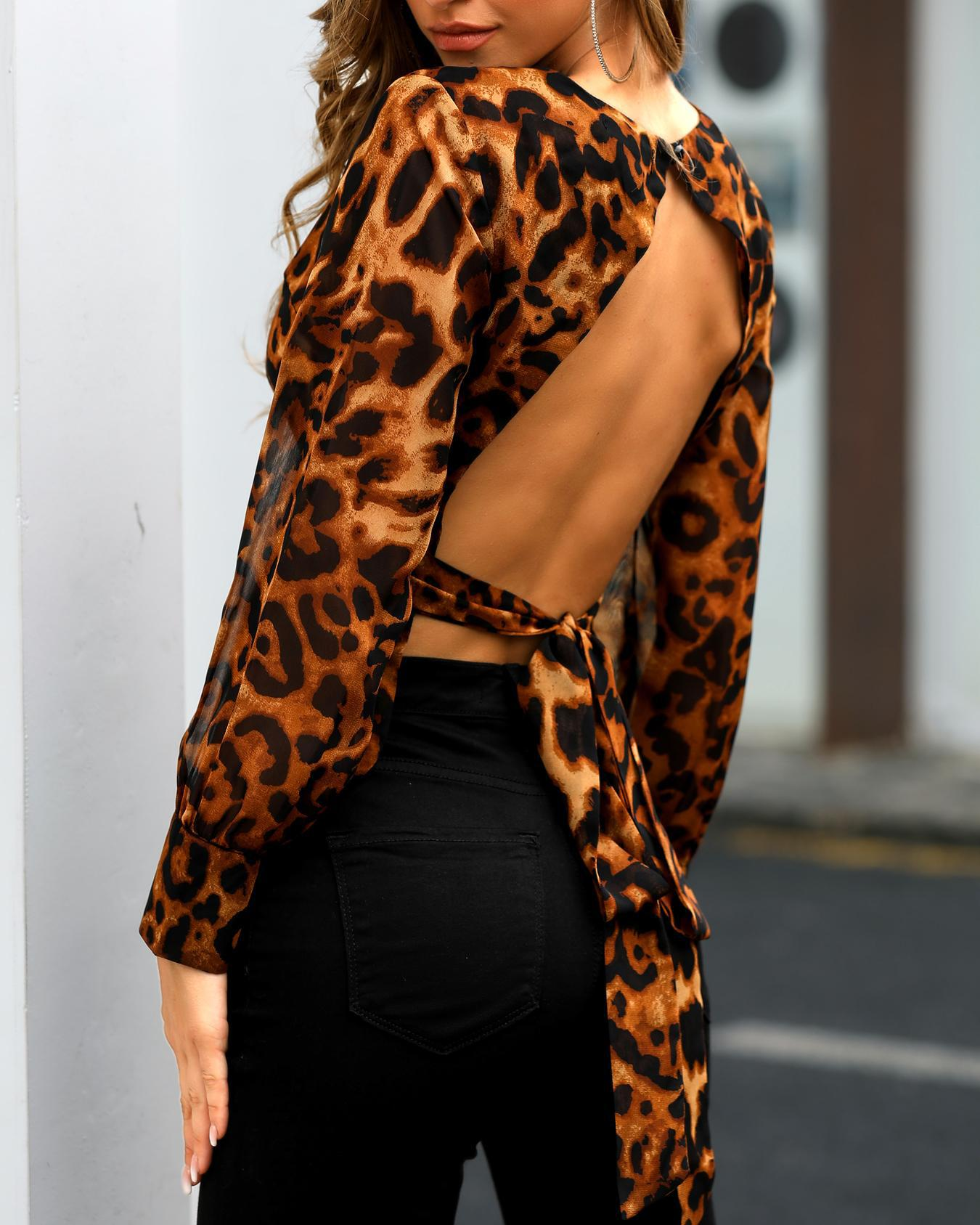 Leopard Print Open Back Knotted Blouse фото