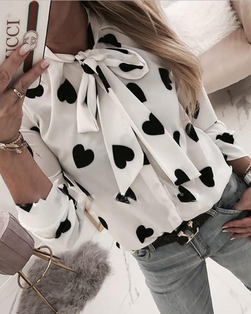 boutiquefeel / Blusa Casual Cuello Atado Estampado Corazón