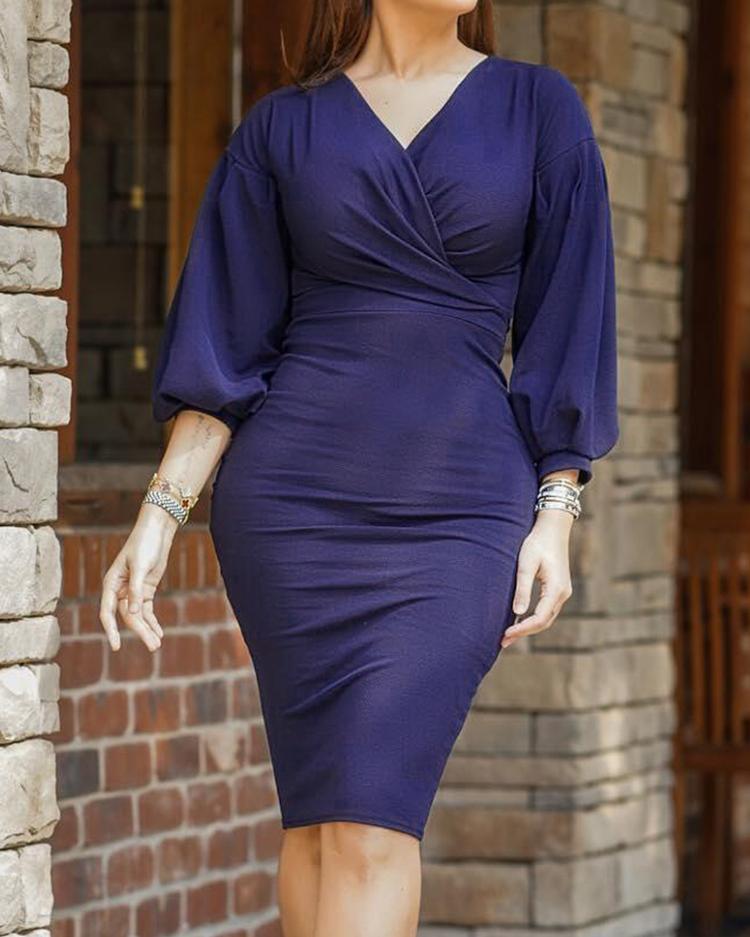 ivrose / Surplice Front Ruched Slinky Dress