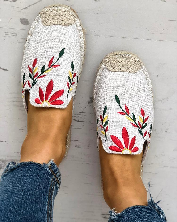 joyshoetique / Fashion Embroidered Espadrille Flat Slippers
