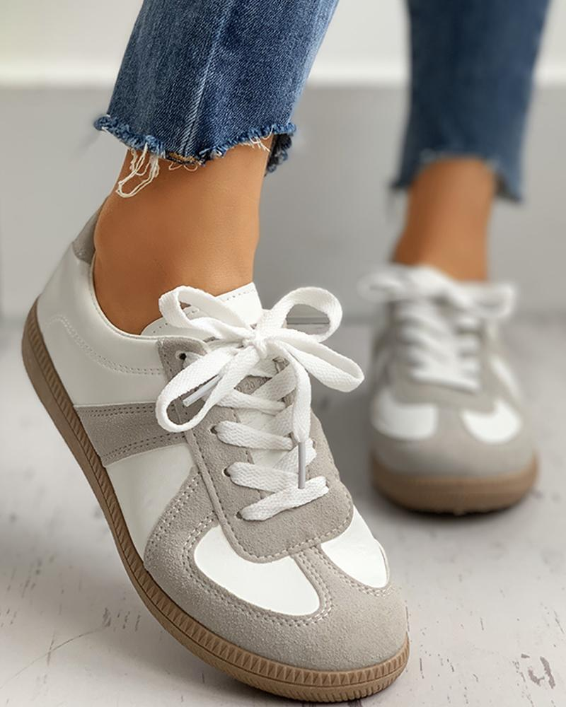 Retro Suede Colorblok Lace-Up Sneakers фото