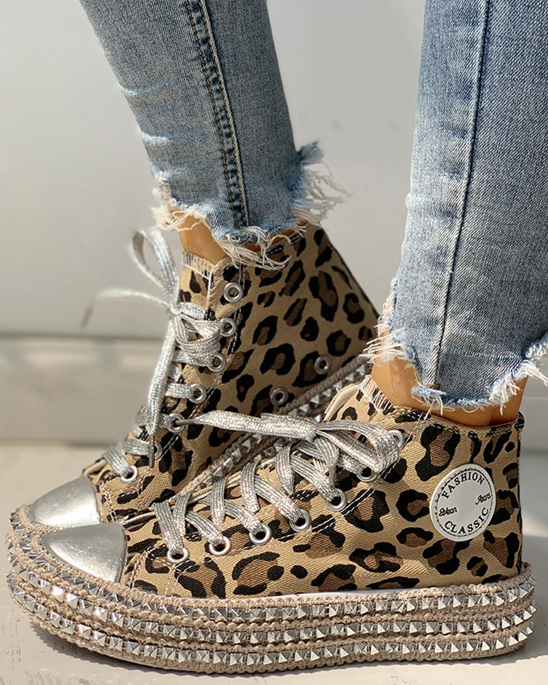 Leopard Rivet Embellished Lace-Up Sneakers фото