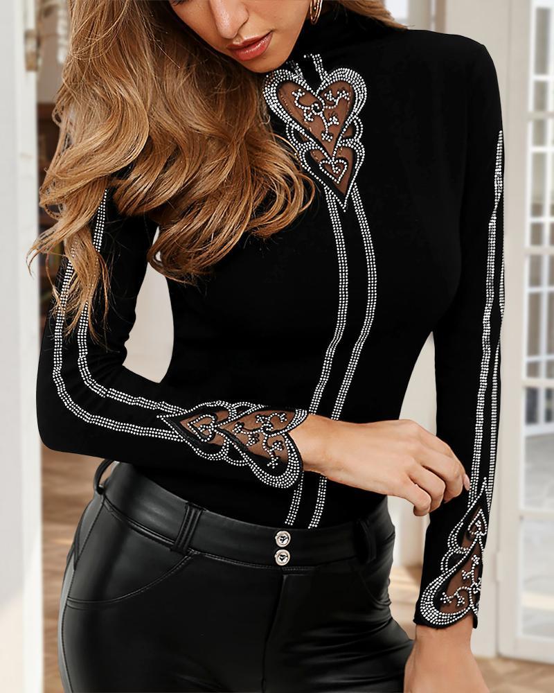 chicme / Blusa con diseño de corazón tachonado