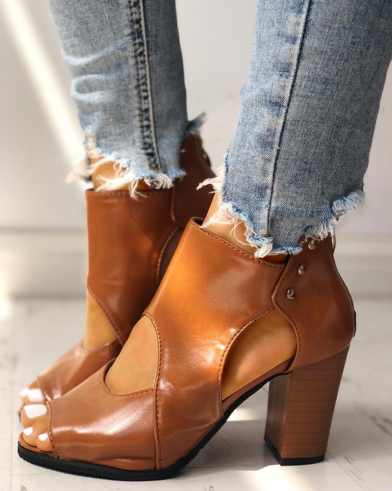 ivrose / Peep Toe Cutout Rivet Chunky Heeled Boot
