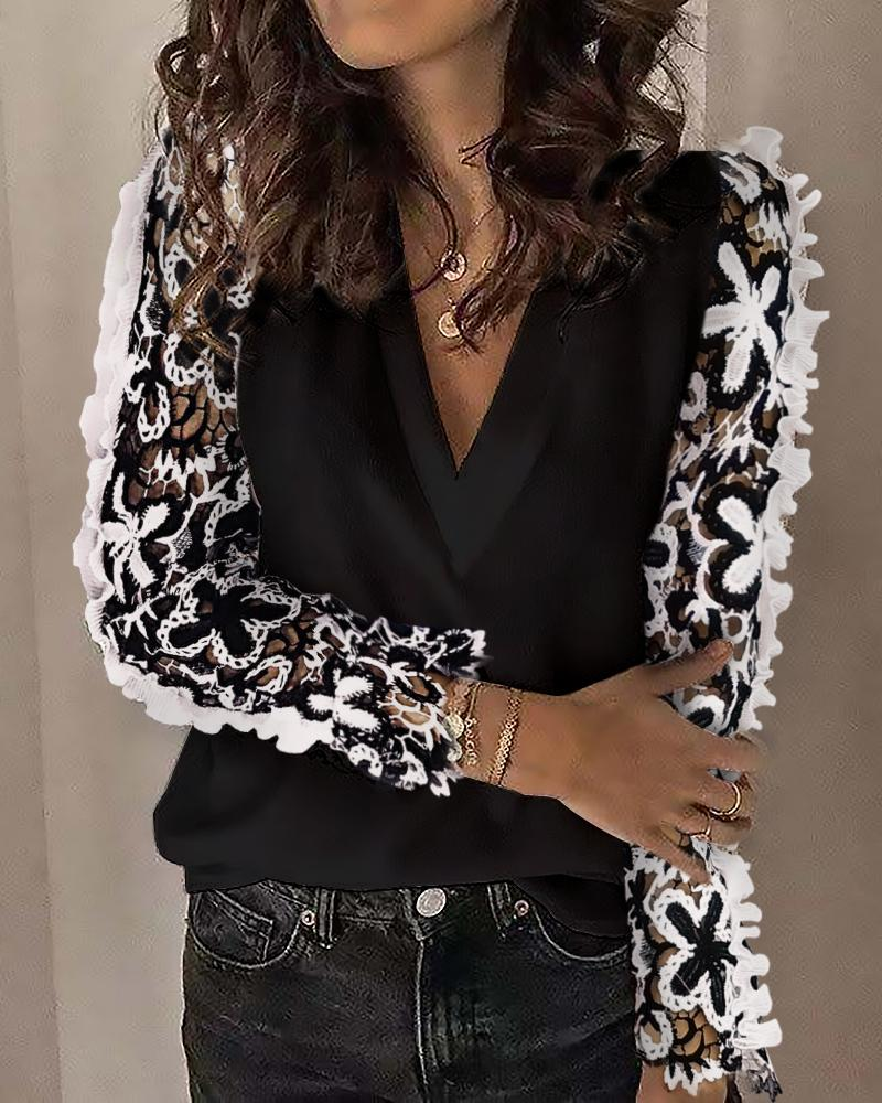 chicme / Floral Hollow Out Long Sleeve Blouse