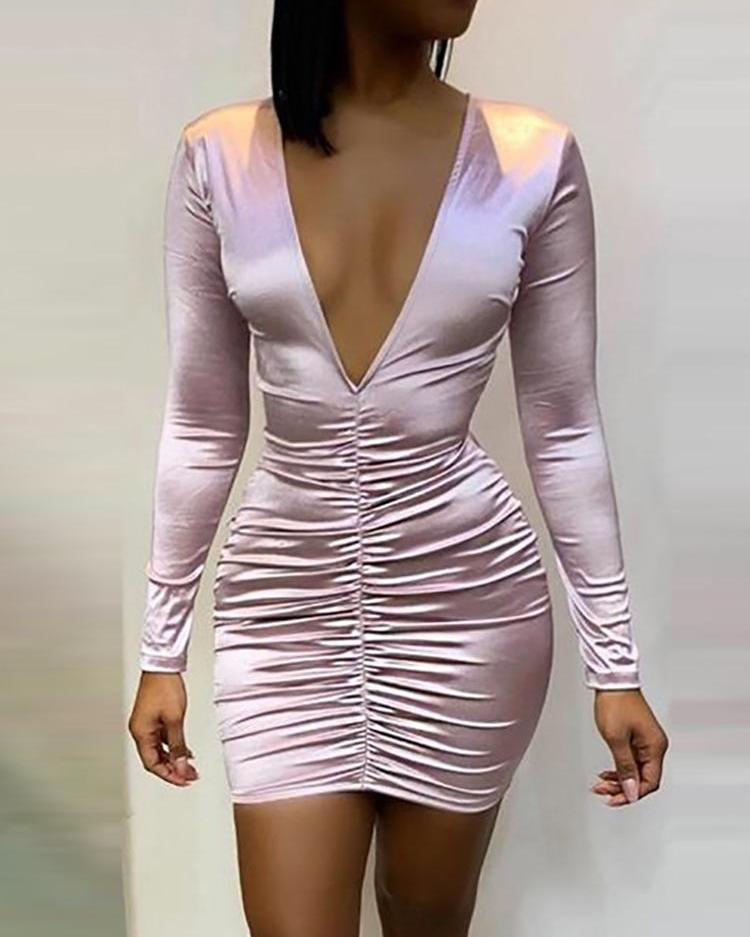 joyshoetique / Deep V-Neck Ruched Design Dress