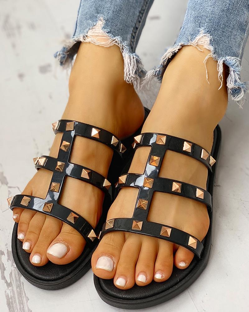 Rivet Design Cut Out Flat Sandals фото