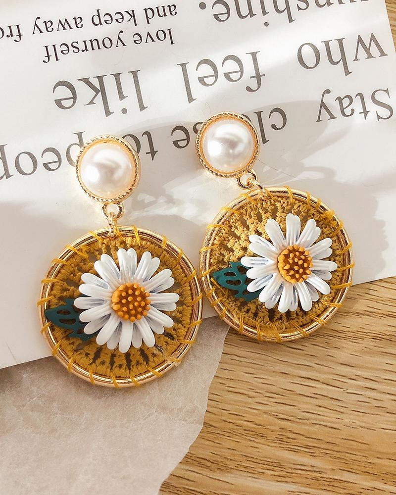 Pearl Woven Floral Pattern Earrings фото