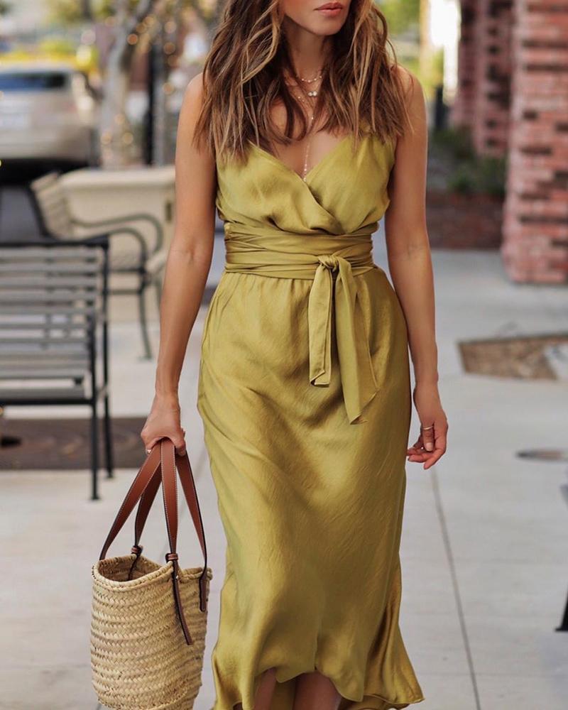 joyshoetique / Tie Waist Spaghetti Strap Wrap Dress